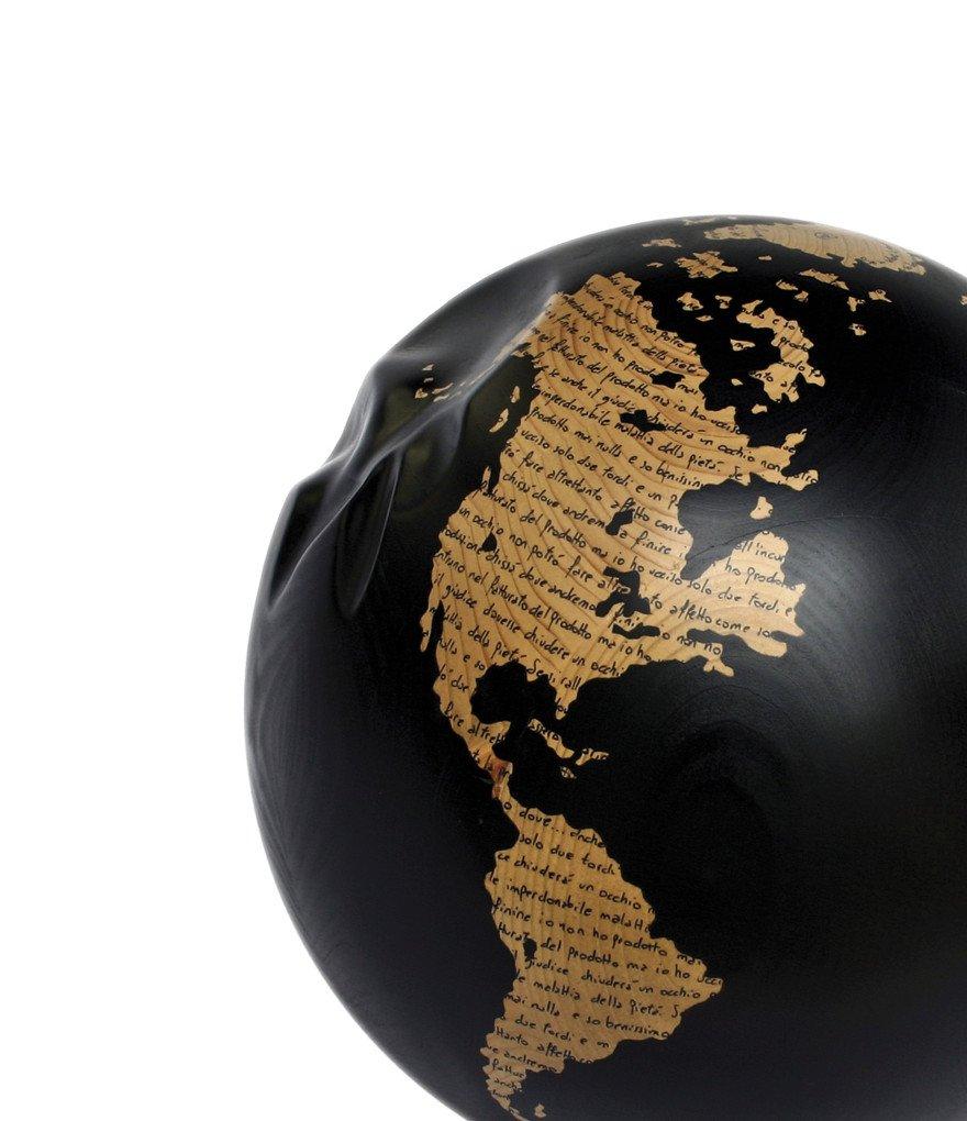 WW - Montale - una malattia -  (sfera nera) - 2012 - Legno e smalto - Diam. 31 cm